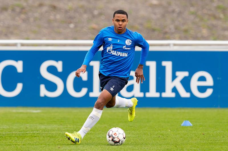 GELSENKIRCHEN, GERMANY - APRIL 17: Weston McKennie of Schalke controls the ball during a training session at FC Schalke 04 training center on April 17, 2019 in Gelsenkirchen, Germany. (Photo by TF-Images/Getty Images)