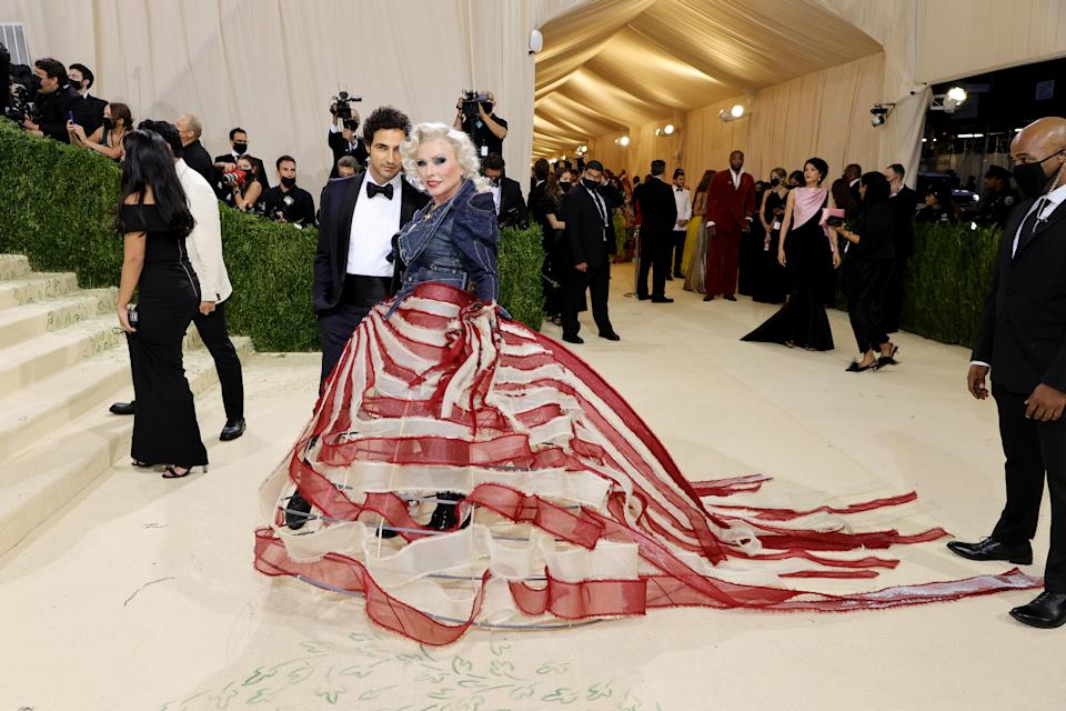 """<h1 class=""""title"""">Zac Posen and Debbie Harry, The 2021 Met Gala Celebrating In America: A Lexicon Of Fashion - Arrivals</h1><cite class=""""credit"""">Getty</cite>"""