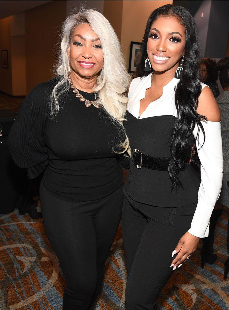 Porsha Williams (right) and her mother, Diane | Paras Griffin/Getty