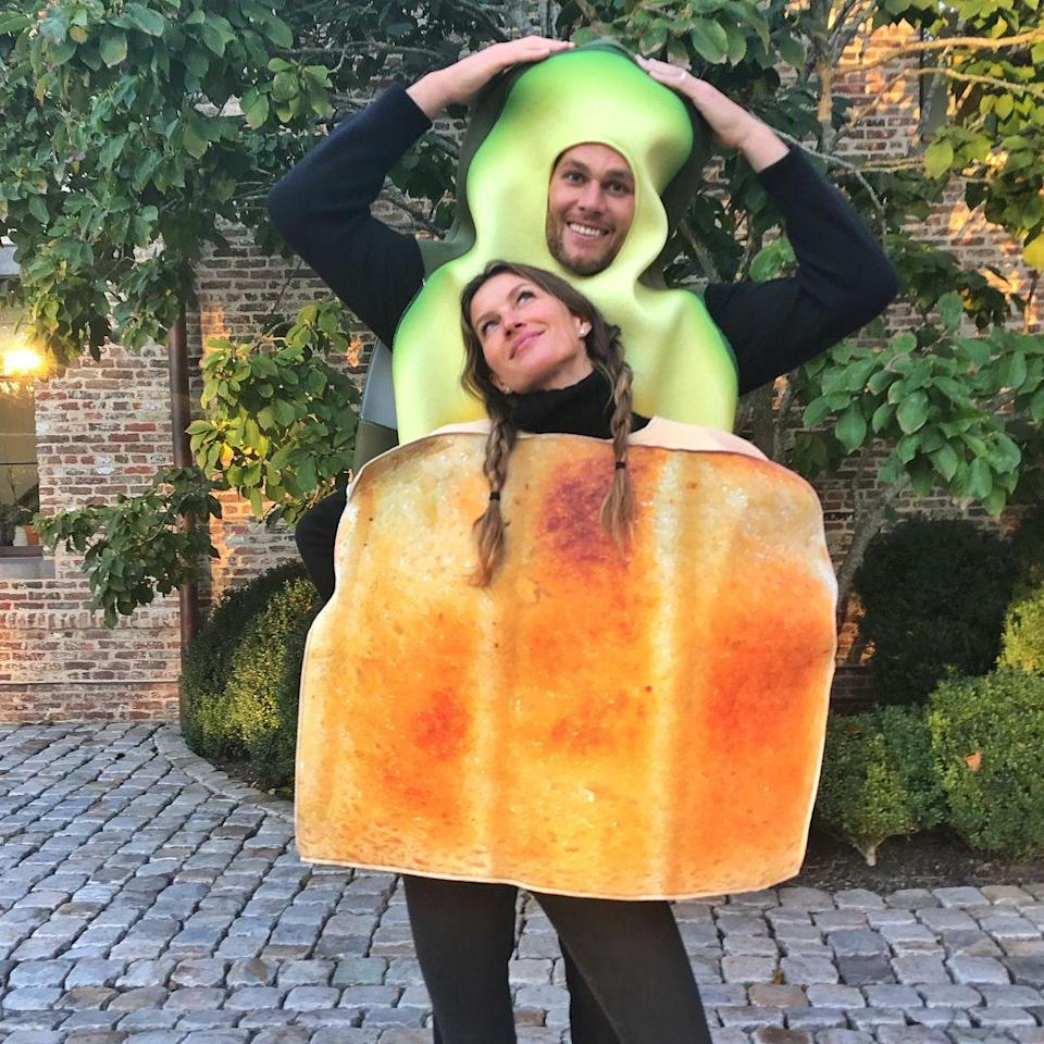<p>In 2017, the supermodel and NFL player teamed up to dress as another iconic duo: a slice of toast with avocado. </p>