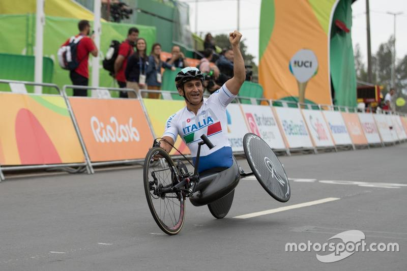 """And in handcycles, the flamboyance in victory remained intact! This is the Paralympics in Rio in 2016. <span class=""""copyright"""">BMW AG</span>"""