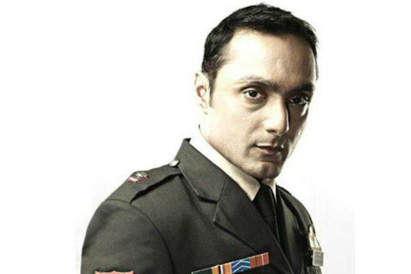 <b>6. Rahul Bose/Shaurya</b><br><br>When Rahul Bose is not getting under the skin of various eccentric characters for various movies, he comes forth and shows us what a dapper dude he can be. His sharp and serious look in 'Shaurya' was a winner all the way.