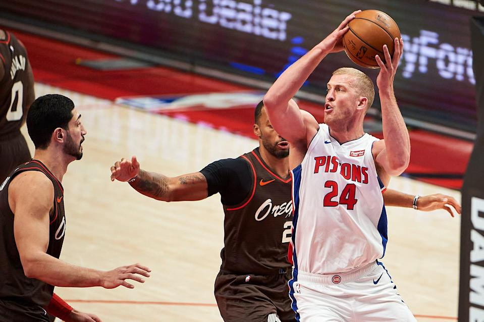 Detroit Pistons center Mason Plumlee (24) passes the ball against the Portland Trail Blazers during the first half April 10, 2021 at Moda Center.