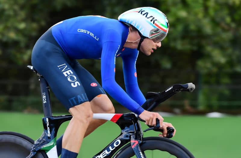Cycling - Ganna first Giro leader as Thomas opens early gap over rivals