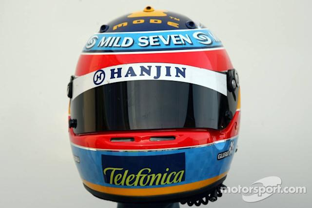 "Casco de Fernando Alonso en 2005 <span class=""copyright"">XPB Images</span>"