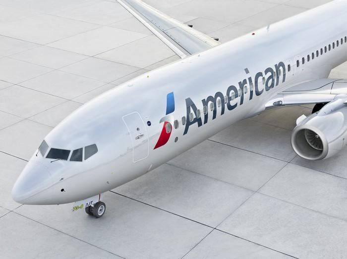 An American Airlines 737 arriving at the gate.