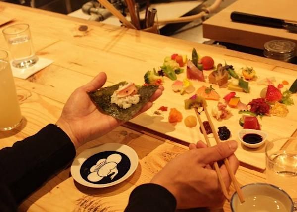 Fish and Vegetable Temaki Sushi Set (2,700 yen, tax included)