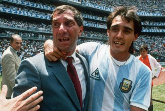 Bilardo celebrating Argentina's World Cup triumph in Mexico (AFP Photo/STAFF)