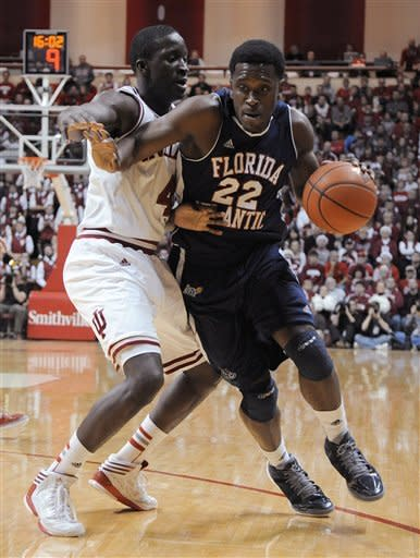 Indiana's Victor Oladipo puts pressure on Florida Atlantic's Greg Gantt during the first half of an NCAA college basketball game in Bloomington, Ind., Friday, Dec. 21, 2012. (AP Photo Alan Petersime)