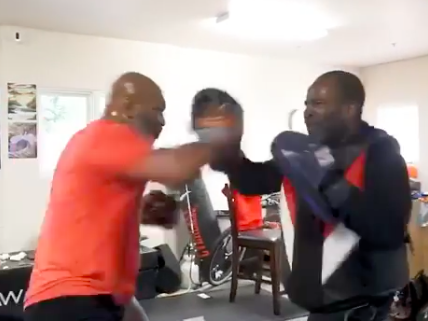 Mike Tyson spars in training video: Mike Tyson / Instagram