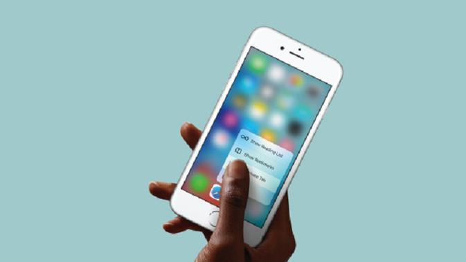 Teknologi 3D touch di perangkat iPhone 6S dan 6S Plus (sumber : wired.com)
