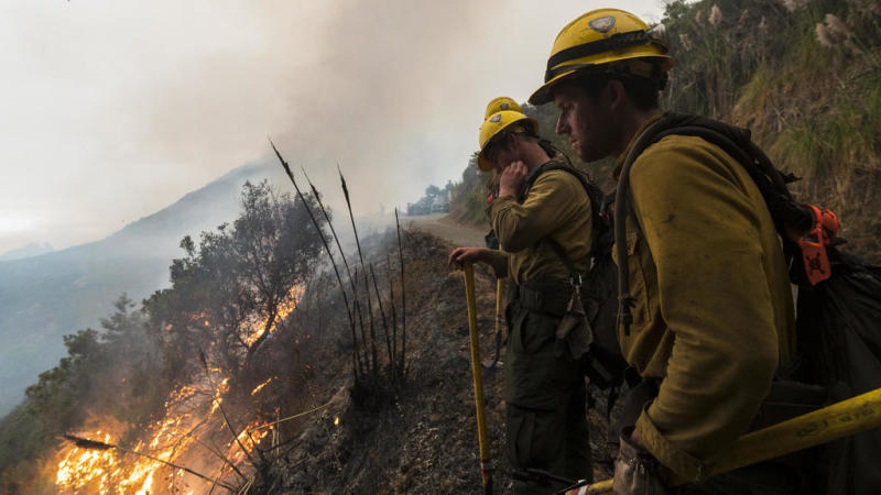 Officials warn of 'mass fatalities' in sprawling US wildfires