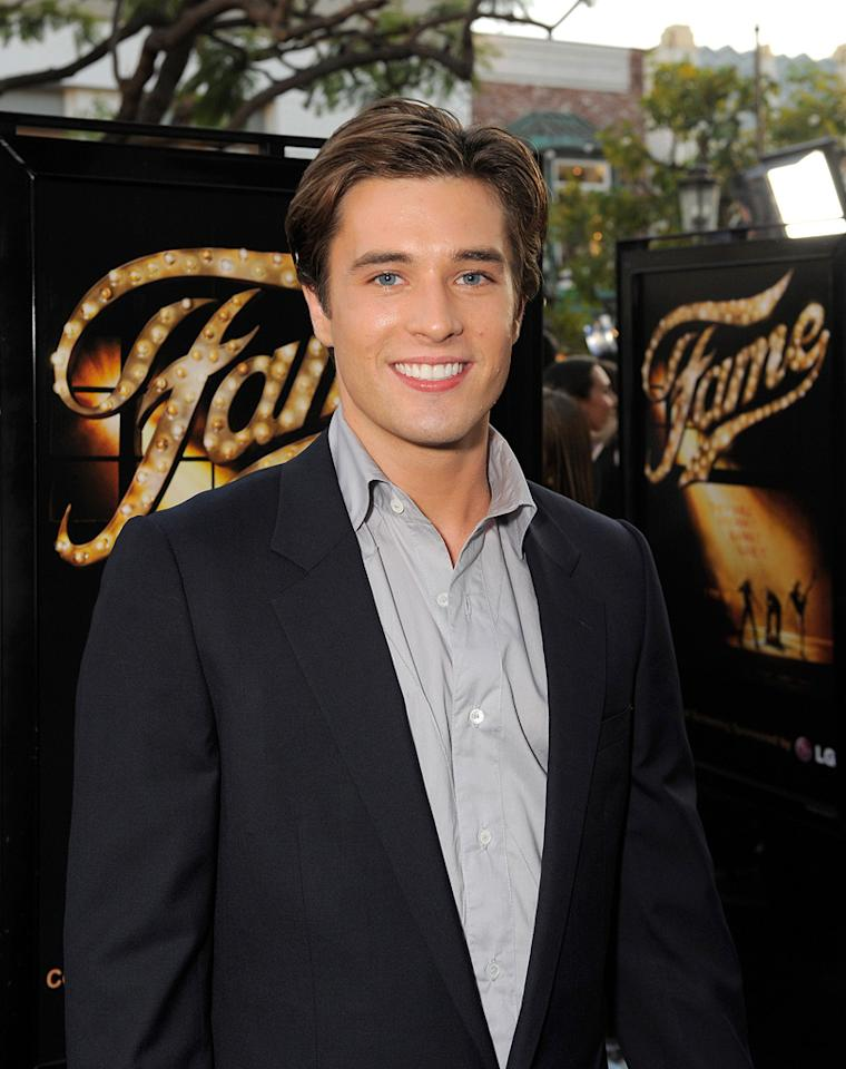 """<a href=""""http://movies.yahoo.com/movie/contributor/1810071209"""">Paul McGill</a> at the Los Angeles premiere of <a href=""""http://movies.yahoo.com/movie/1810033914/info"""">Fame</a> - 09/23/2009"""