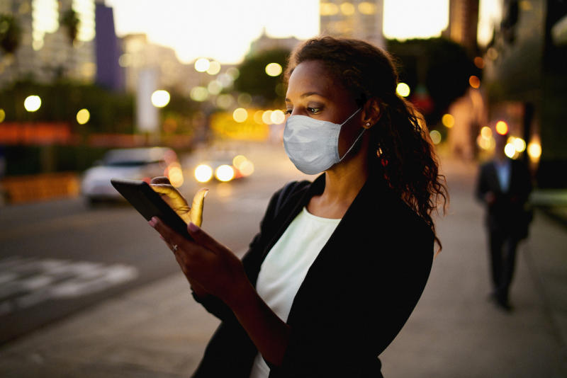 The BMA have recommended face masks be worn outside when social distancing isn't possible. (Getty Images)