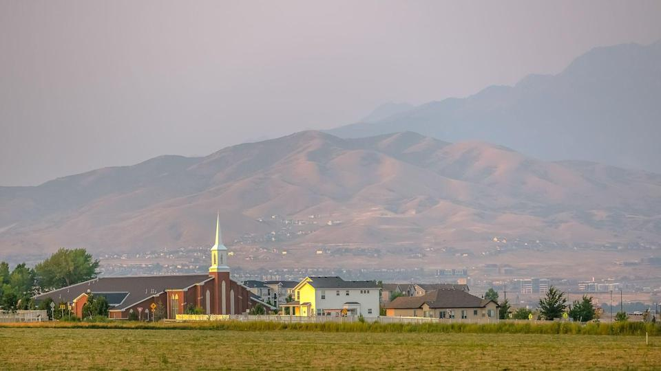 Scenic view of Eagle Mountain community in Utah.