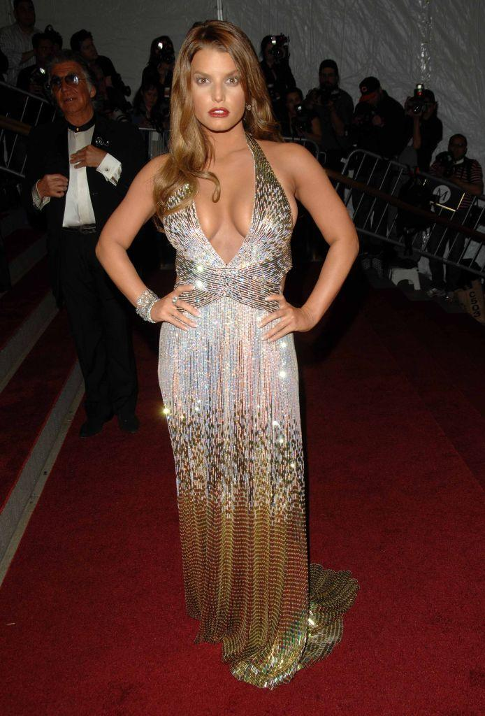 Jessica Simpson attending the Met Ball in 2007, the event the Vogue anecdote referred to. (Getty Images)