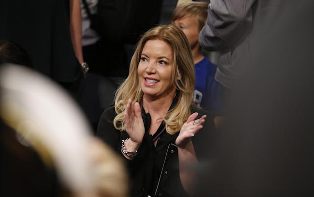 "<a class=""link rapid-noclick-resp"" href=""/nba/teams/lal"" data-ylk=""slk:Los Angeles Lakers"">Los Angeles Lakers</a> co-owner and president Jeanie Buss spoke to the media ahead of 2018 free agency. (AP Photo)"
