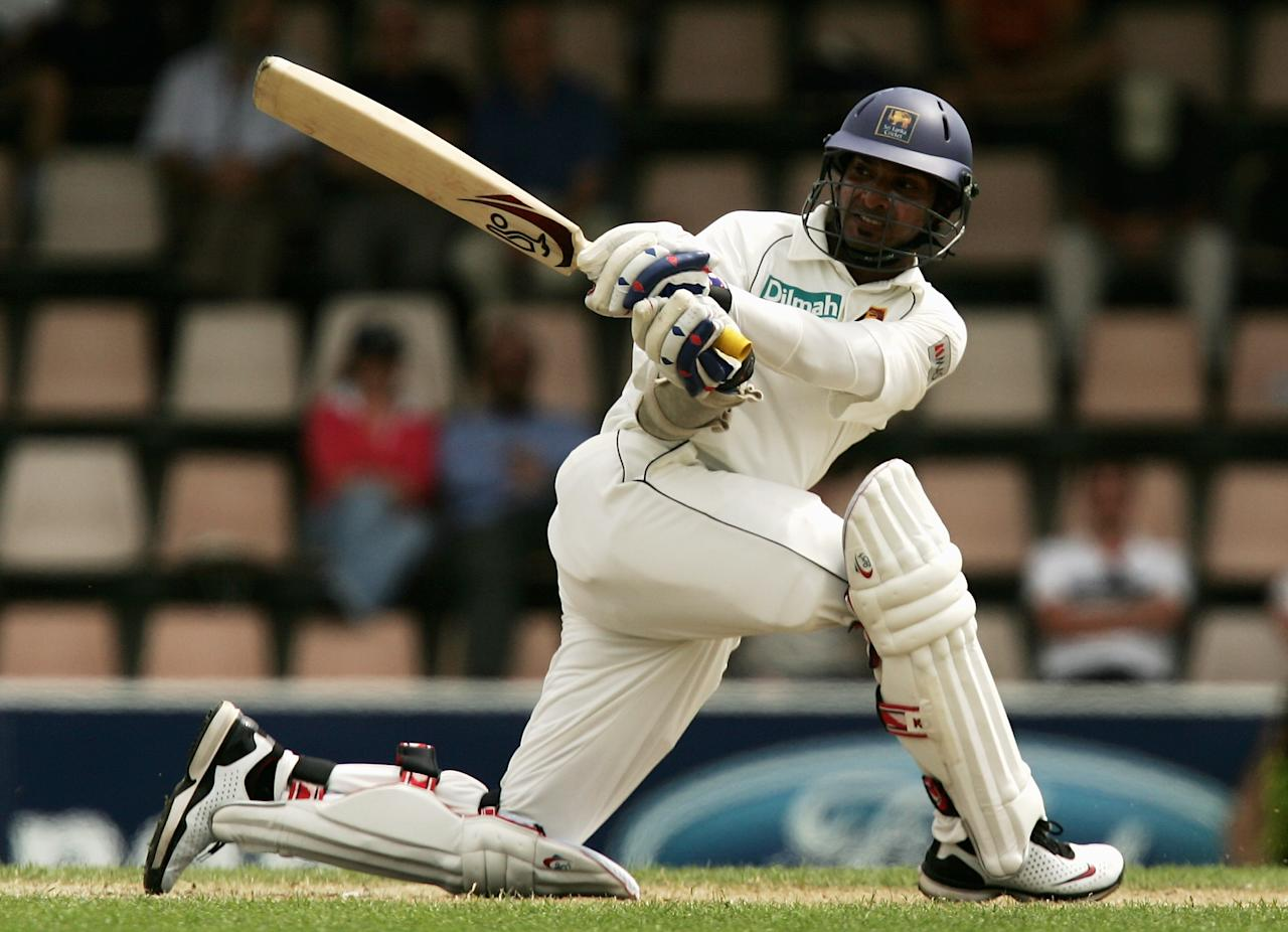 HOBART, AUSTRALIA - NOVEMBER 19:  Kumar Sangakkara of Sri Lanka plays a sweep shot during day four of the Second test match between Australia and Sri Lanka at Bellerive Oval on November 19, 2007 in Hobart, Australia.  (Photo by Quinn Rooney/Getty Images)
