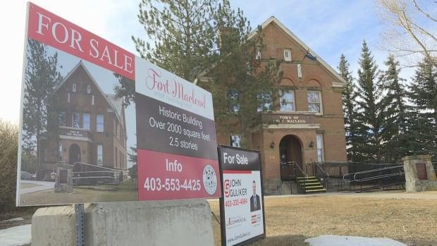 The historic courthouse building in Fort Macleod has been up for sale at $225,000 and the town says it is close to a deal that will allow the building to remain in the public eye.  (Terri Trembath/CBC - image credit)