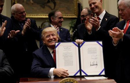 Trump signs veterans act in Washington