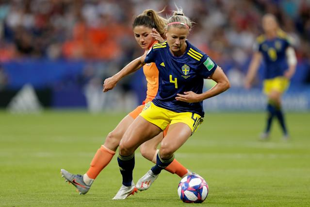 (L-R) Danielle van de Donk of Holland Women, Hanna Glas of Sweden Women during the World Cup Women match between Holland v Sweden at the Stade de Lyon on July 3, 2019 in Lyon France (Photo by Rico Brouwer/Soccrates/Getty Images)