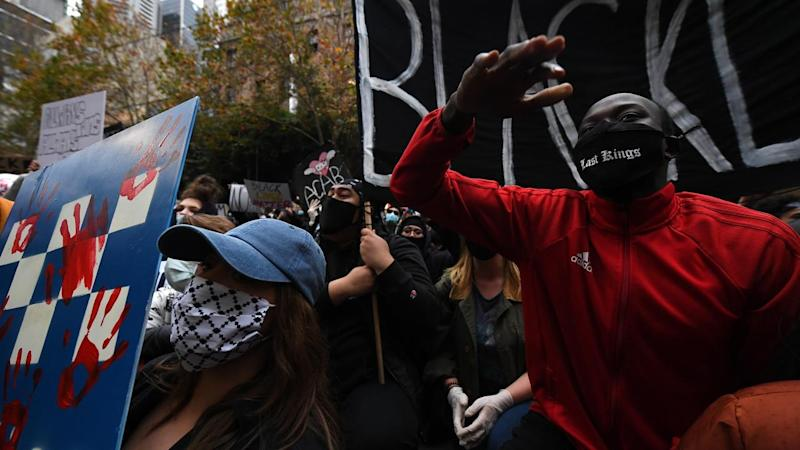 Victoria Police have threatened to fine asylum seeker protesters like they did with BLM activists