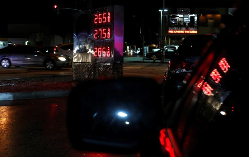 The price of regular unleaded gas is pictured at 2.65 U.S. Dollar per gallon (3.7 Liter) at a Arco gas station in Los Angeles