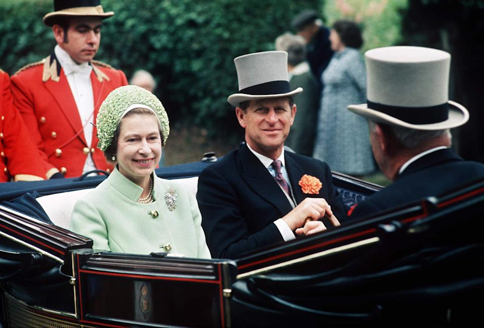 BERKSHIRE, UNITED KINGDOM - JUNE 19:  The Queen And The Duke Of Edinburgh In The Carriage Procession At Royal Ascot.they Attended 19-22 June 1973. (exact Day Date Of Picture Not Known)  (Photo by Tim Graham Photo Library via Getty Images)