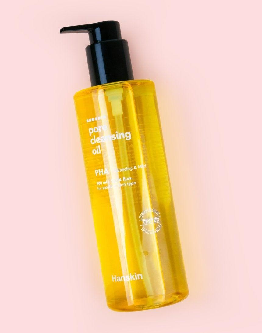 """<h2>Hanskin Pore Cleansing Oil</h2><br><strong>Best Cleansing Oil</strong><br><br>If you, like me, live for a double-cleanse, then you've probably tried cleansing oils and balms galore. One of the best is Hanskin's PHA (aka polyhydroxy acids)-infused oil, which helps ward off blackheads and acne.<br><br><strong>Hanskin</strong> Pore Cleansing Oil [PHA], $, available at <a href=""""https://go.skimresources.com/?id=30283X879131&url=https%3A%2F%2Fsokoglam.com%2Fproducts%2Fhanskin-cleansing-oil-blackhead-pha%3F"""" rel=""""nofollow noopener"""" target=""""_blank"""" data-ylk=""""slk:Soko Glam"""" class=""""link rapid-noclick-resp"""">Soko Glam</a>"""