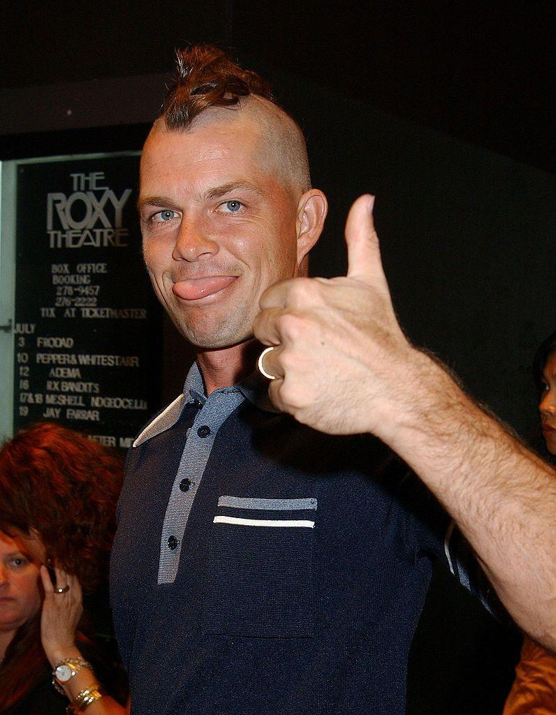 <p>We give the No Doubt drummer's peculiar hairstyle a thumbs down.</p>