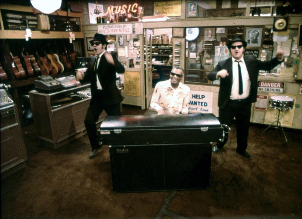 "<a href=""http://movies.yahoo.com/movie/contributor/1800010825"">Dan Aykroyd</a>, <a href=""http://movies.yahoo.com/movie/contributor/1800031508"">Ray Charles</a> and <a href=""http://movies.yahoo.com/movie/contributor/1800010827"">John Belushi</a> in Universal Pictures' <a href=""http://movies.yahoo.com/movie/1800340965/info"">The Blues Brothers</a> - 1980"