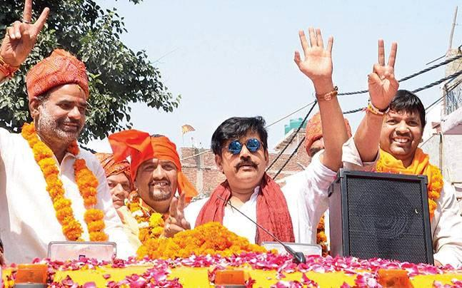MCD polls: Delhi BJP chief Manoj Tiwari rolls out star-studded campaign for civic elections