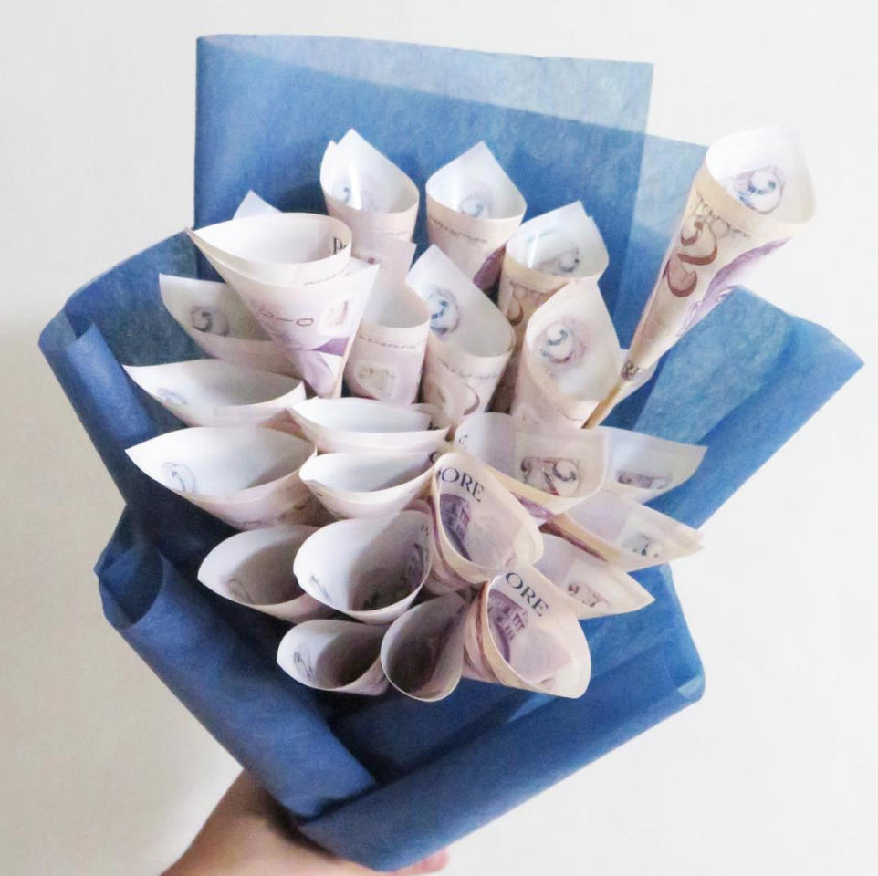 <p>If your partner thinks that buying a bouquet is a waste of money, then maybe a bouquet of dollar notes might be the perfect thing to get this Valentine's Day. While this is not available for purchase, it's easy to make it yourself. Bouquet idea from Petalfoo (Photo: @petalfoo/Instagram) </p>