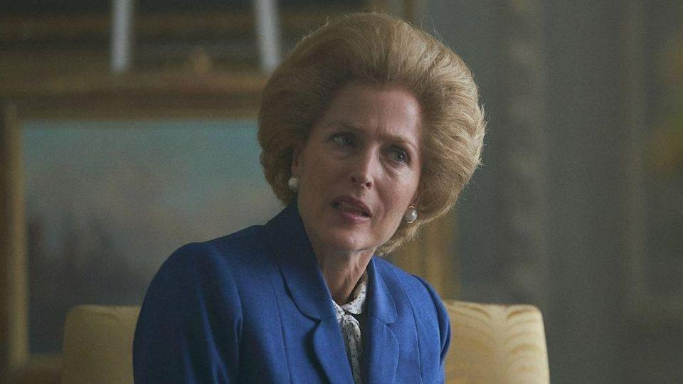 "Gillian Anderson como Margaret Thatcher en ""The Crown""."