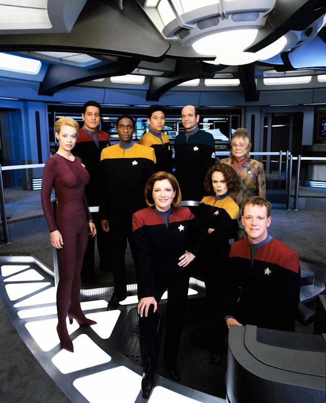 <p>Running concurrently with <em>Deep Space Nine</em> for much of its run meant that <em>Voyager</em> largely followed the look of that show, at least in regards to the uniformed officers. (Being on the other side of the galaxy also limited their exposure to new clothes.) The aliens, on the other hand, got to model more interesting clothes, from Neelix's Talaxian duds to Seven of Nine's form-fitting Borg-suit.<br><br>(Photo: Paramount/Courtesy Everett Collection) </p>
