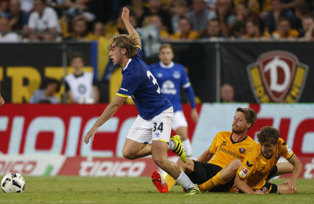 Football Soccer - Dynamo Dresden v Everton - Pre Season Friendly - Dresden Cup - DDV-Stadium, Dresden, Germany - 29/7/16 Everton's Tom Davies in action Action Images via Reuters / Hannibal Hanschke Livepic