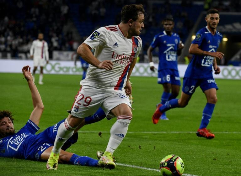 Xherdan Shaqiri (R) scored his first goal for Lyon in a 3-1 win over Troyes (AFP/JEAN-PHILIPPE KSIAZEK)