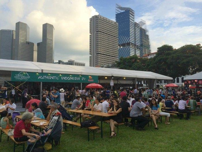 Happy Food Jamboree: The 2015 WSFC has attracted more than 80K visitors to enjoy comfort street foods from many parts of the world.