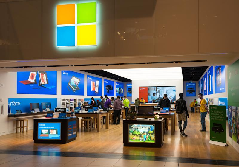 EATON CENTRE, TORONTO, ONTARIO, CANADA - 2015/04/24: Microsoft Corporation increases its retail operation in Canada by opening the eight store in the Eaton Centre one of the largest malls in the city. (Photo by Roberto Machado Noa/LightRocket via Getty Images)