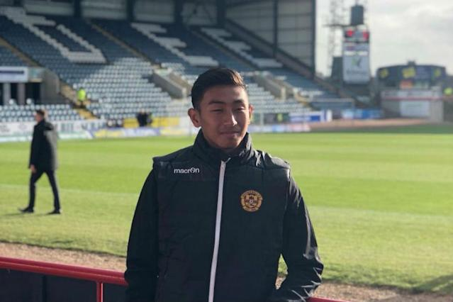 If his past exploits are anything to go by, India's goalkeeping sensation Dheeraj Singh Moirangthem is used to setting the bar a little higher than usual. The shy boy from Manipur chose Scotland's Motherwell FC over the Indian Arrows, keeping in complete sync with his decision of football over the Indian Army.