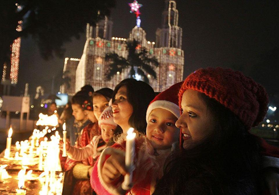 """<p>Christmas in India is known as <span class=""""redactor-unlink"""">""""Bada Din"""" which means """"big day."""" Besides traditional Christmas trees, it's common to see banana and mango trees decorated. </span></p>"""