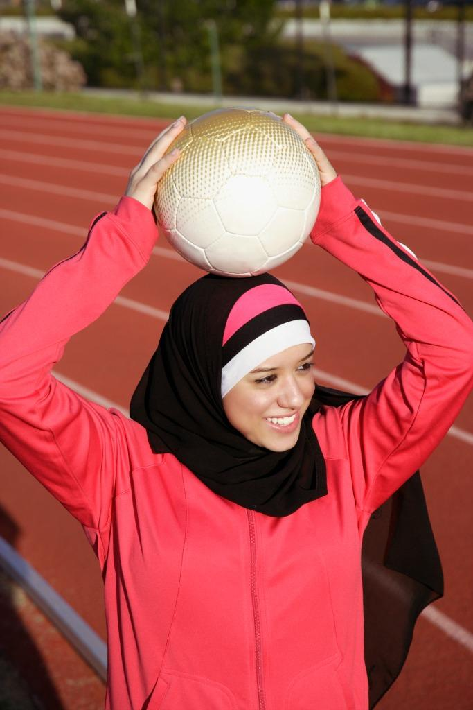 Activewear hijabs will serve a growing market: Muslim girls who love to play sports. (Photo: Getty Images)