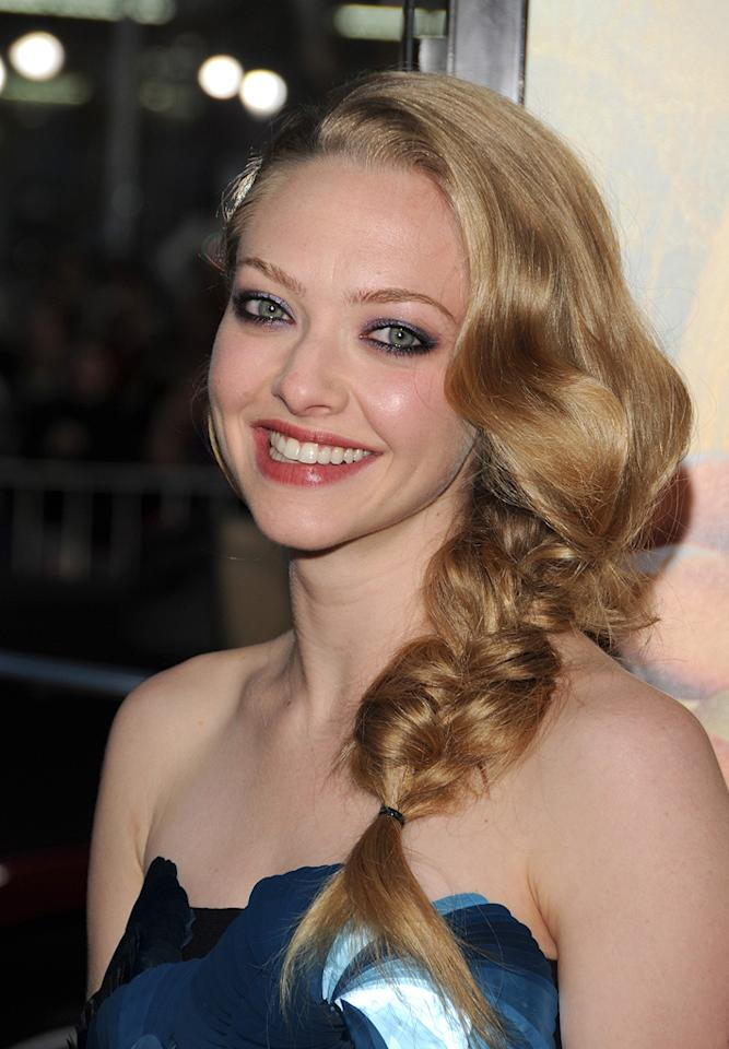 "<a href=""http://movies.yahoo.com/movie/contributor/1808545150"">Amanda Seyfried</a> at the Los Angeles premiere of <a href=""http://movies.yahoo.com/movie/1810089734/info"">Letters to Juliet</a> - 05/11/2010"