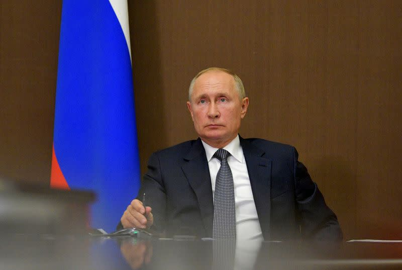 Russia's Putin, Japan's Suga discuss possible cooperation on COVID-19 vaccines - Kremlin