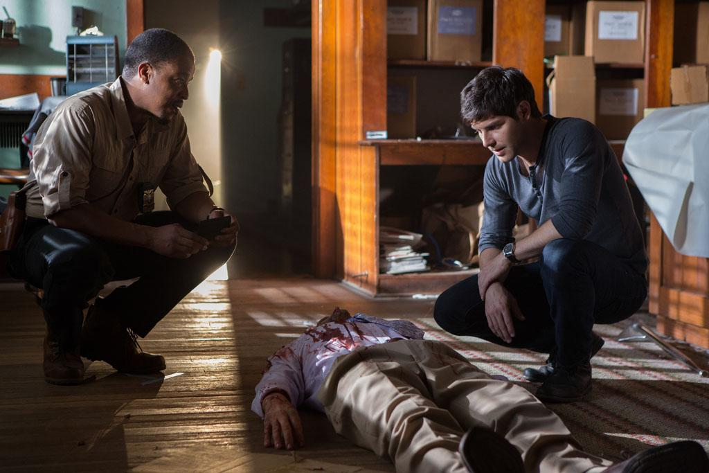 "Russell Hornsby as Hank Griffin and David Giuntoli as Nick Burkhardt in the ""Grimm"" episode, ""Quill."""