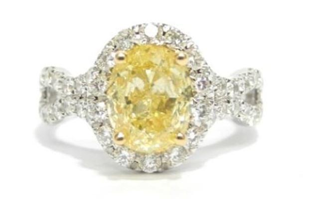 18ct white gold solitaire yellow diamond ring. Image: Cash Converters