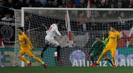 Soccer Football - Spanish King's Cup - Quarter Final Second Leg - Sevilla vs Atletico Madrid - Ramon Sanchez Pizjuan, Seville, Spain - January 23, 2018 Sevilla's Sergio Escudero scores their first goal REUTERS/Jon Nazca