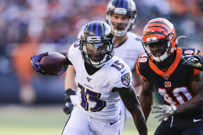CINCINNATI, OHIO - NOVEMBER 10: Marquise Brown #15 of the Baltimore Ravens runs with the ball against the Cincinnati Bengals during the third quarter of the game at Paul Brown Stadium on November 10, 2019 in Cincinnati, Ohio. (Photo by Silas Walker/Getty Images)