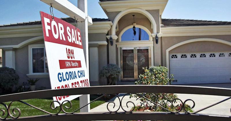 Slump in mortgage rates fails to rally home buyers