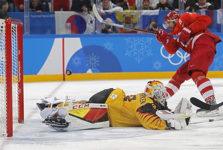Ice Hockey - Pyeongchang 2018 Winter Olympics - Men Final Match - Olympic Athletes from Russia v Germany - Gangneung Hockey Centre, Gangneung, South Korea - February 25, 2018 - Ilya Kovalchuk, an Olympic Athlete from Russia, fails in his attempt to score past Germany's goalie Danny Aus Den Birken. REUTERS/Kim Kyung-Hoon